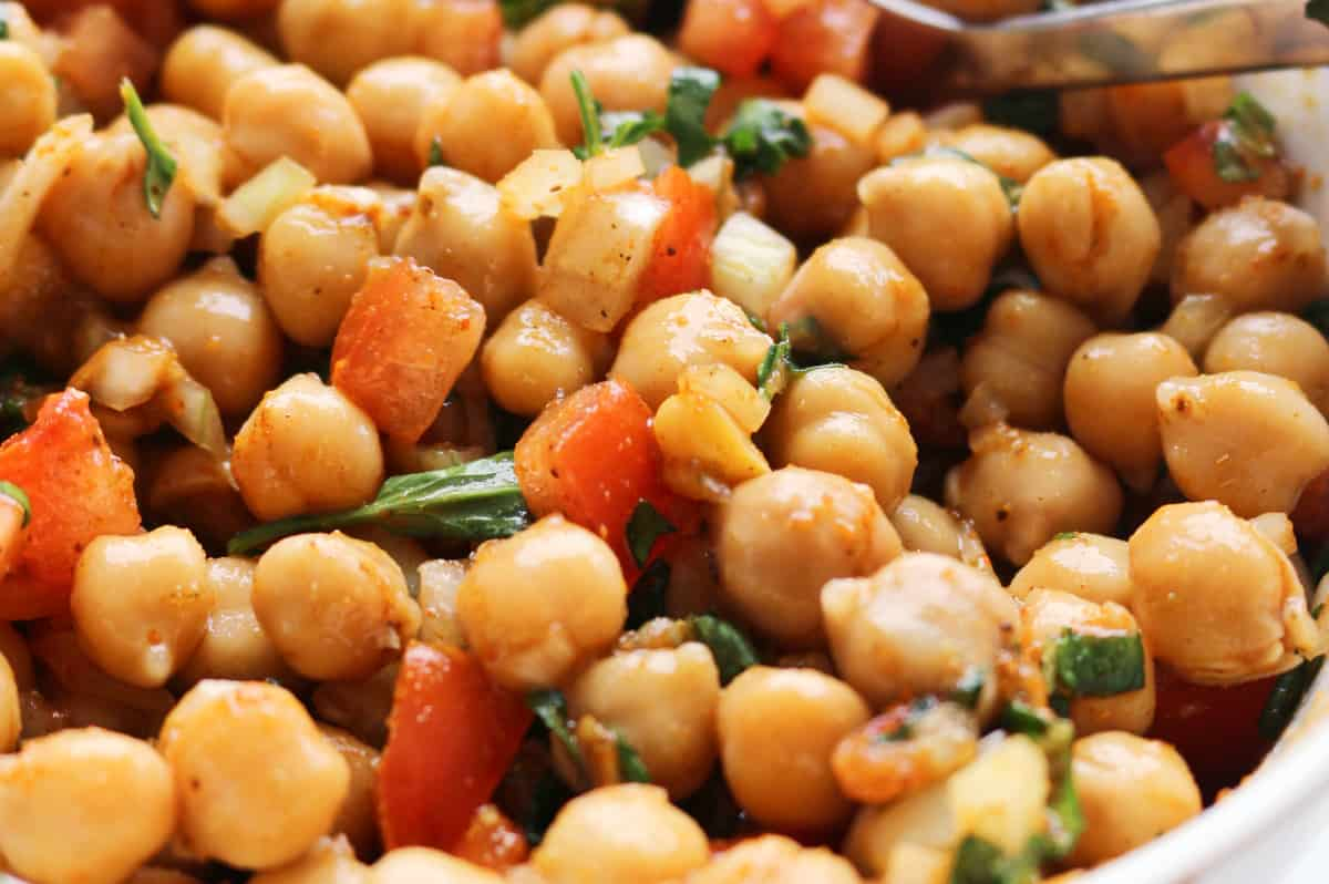 Boiled chickpeas with diced tomato, onion, mint and coriander